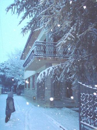 medium_maison_sous_la_neige.jpg